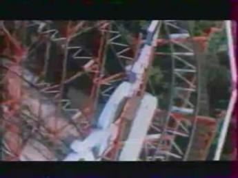 Mannequin en forme olympique : extrait vidéos du film L'Avion de l'Apocalypse