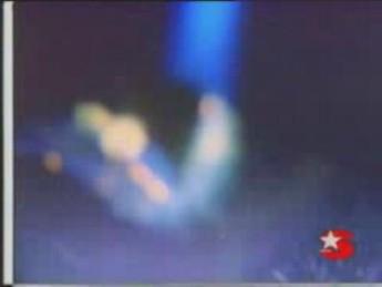 Atterrissage : extrait vidéos du film Badi (Turkish E.T.)