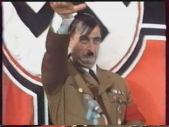 Freestyle : extrait vidéos du film Le Führer en Folie