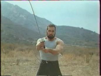 Zdar prend la mouche : extrait vidéos du film Samuraï Cop