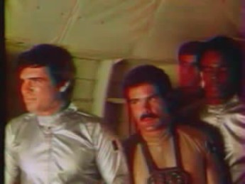 Mega farce (1) : extrait vidéos du film Mega Force