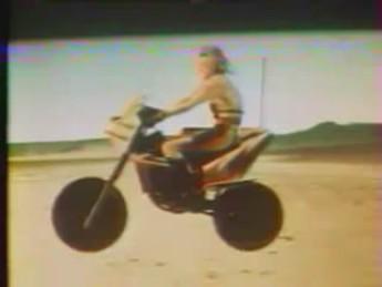 Mega farce (2) : extrait vidéos du film Mega Force