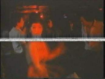 Weng Weng en boîte : extrait vidéos du film For Y'ur Height Only
