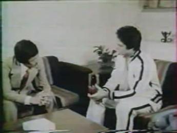 Doubleurs sous valium : extrait vidéos du film Le Poing vengeur de Bruce