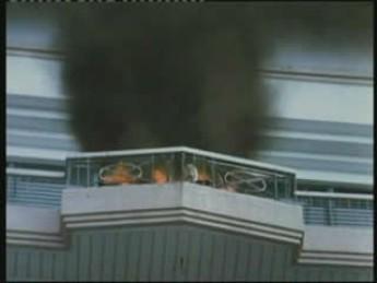 Les pompiers peuvent aller se rhabiller ! : extrait vidéos du film Lastikman