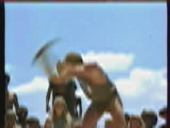 L'art du cassage d'épée sur le genou : extrait vidéos du film Les Bannis de Gor