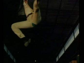 Cuneyt Arkin craque du slip : extrait vidéos du film Ninja Killer