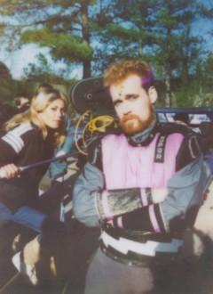 Craig Quiter et l'épouse du réalisateur James Fargo derrière la caméra.