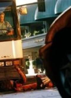 Petit faux-raccord rigolo : un conducteur du bus successivement glabre...