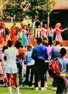 C'est toujours la fête au Palms Junior Highschool.